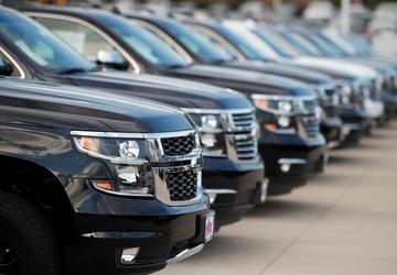 Auto sales rise in 1st half, but analysts warn of turbulence