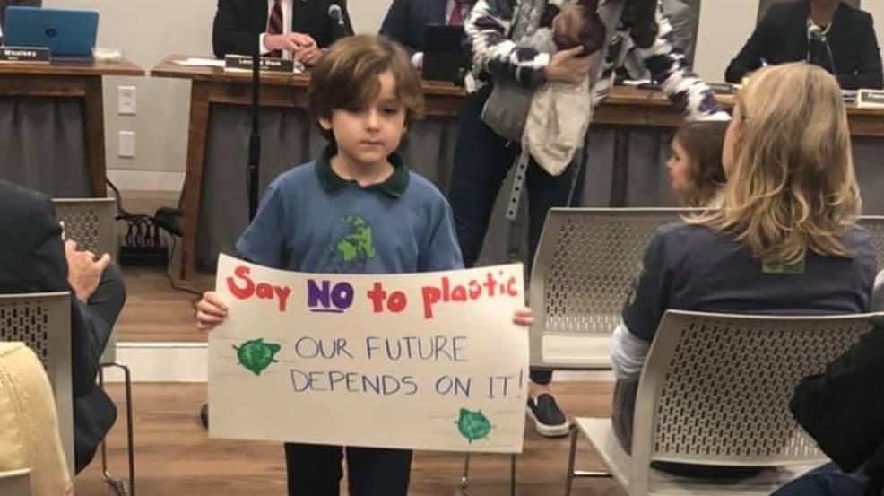 Plastic bag ban passes final reading in James Island