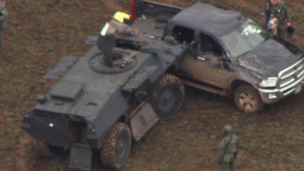 Traffic stop leads to compelling chase with police in tank