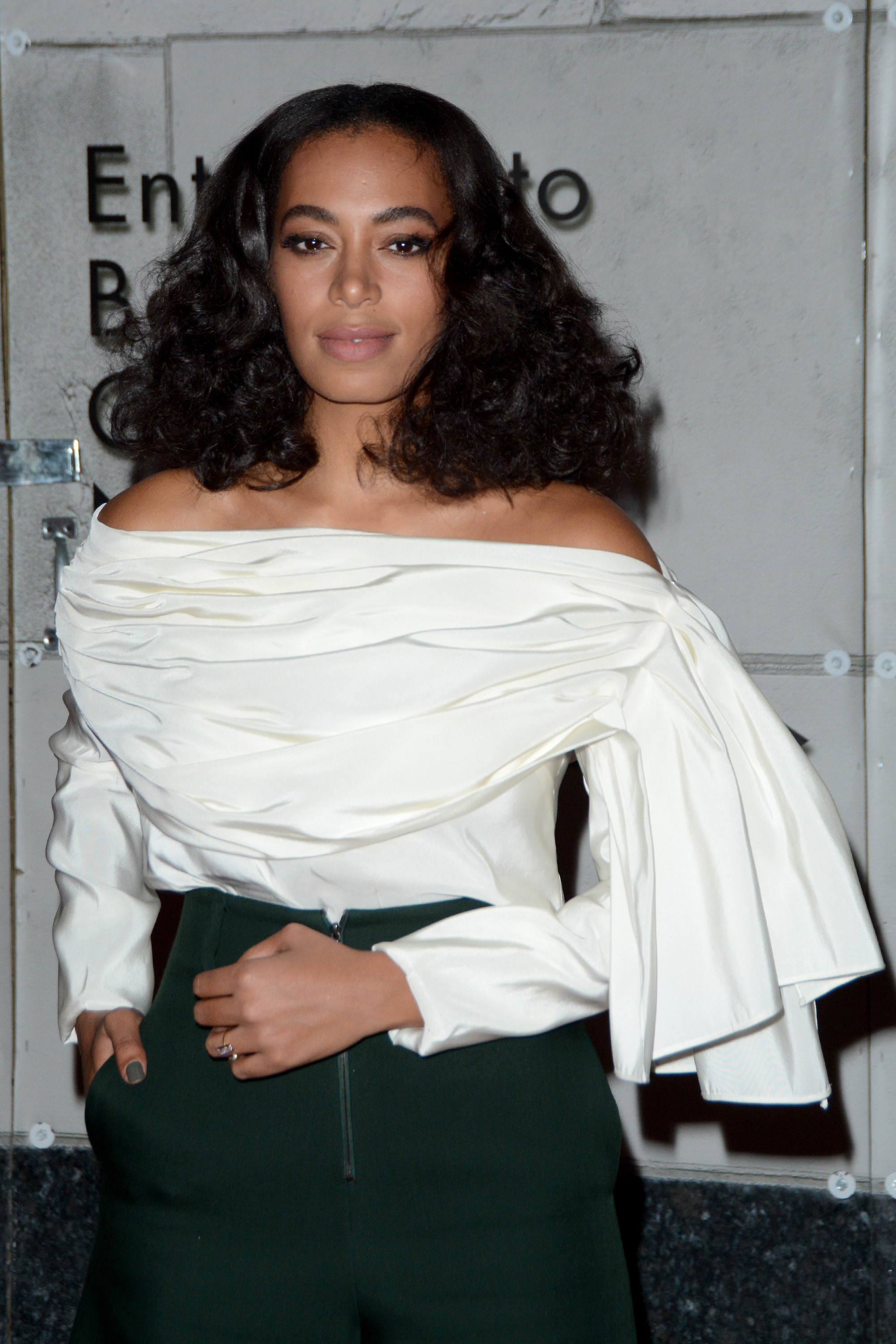 Solange Knowles Arrives At The Gemfields Jewelry Salon Opening Bergdorf Goodman In New York On: Solange Knowles New Wedding Ring At Reisefeber.org