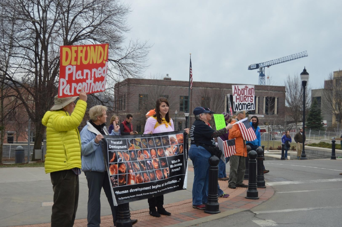 Counter-protesters were also out downtown. (Photo credit: WLOS staff)