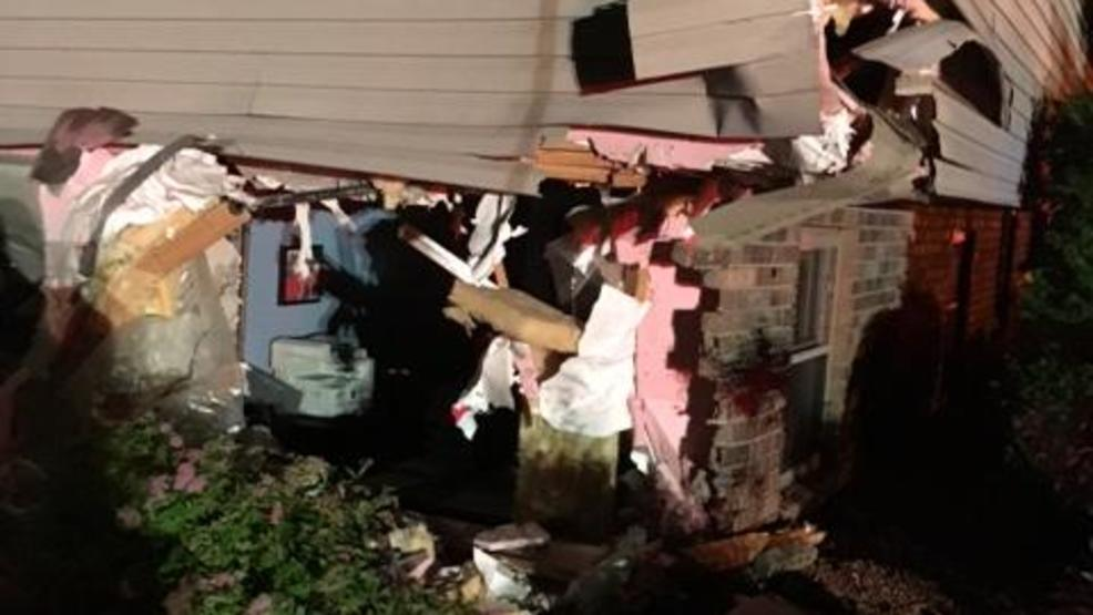 Car vs house in bellevue wluk for House hits 88
