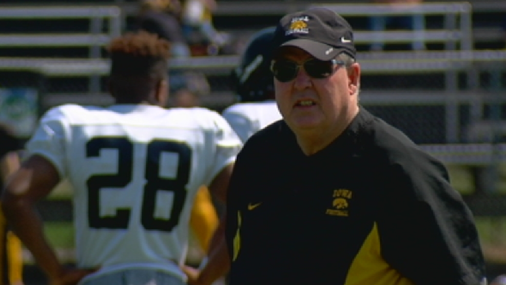 Iowa Offensive Coordinator Greg Davis announces retirement