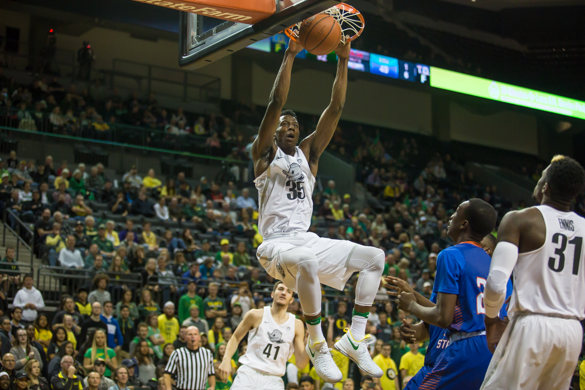 Oregon forward Kavell Bigby-Williams dunks the ball late in the second half. The Oregon Ducks defeated the Savannah State Tigers 128-58, setting a new Oregon men's basketball single game scoring record in the process. Photo by Dillon Vibes
