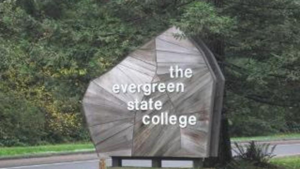 Evergreen State College_entrance.jpg