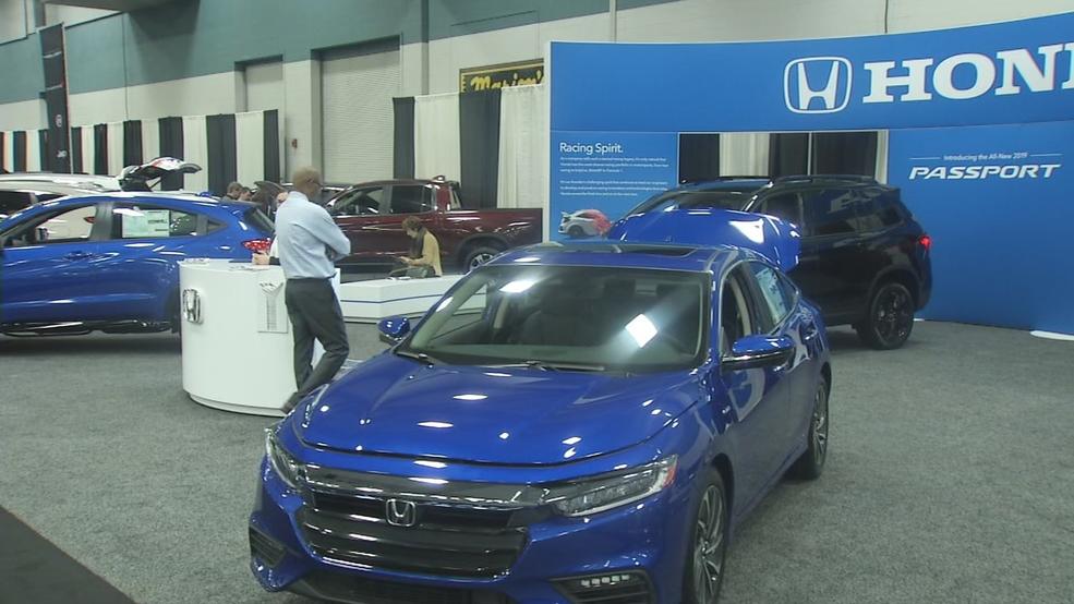 Dayton Auto Show >> Visitors Head To Downtown Dayton For The Annual Dayton Auto