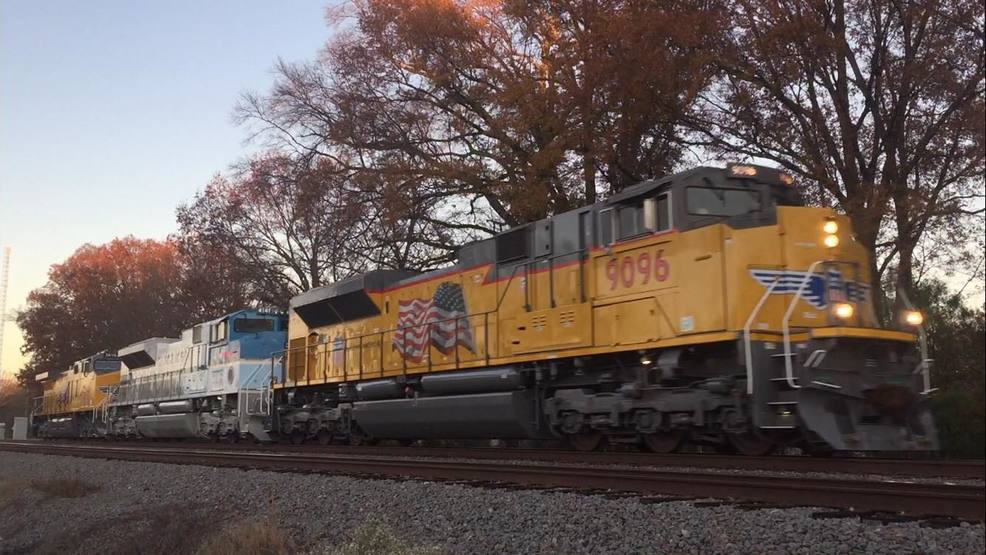 Former President George H W Bush Train Travels Through Arkansas Katv