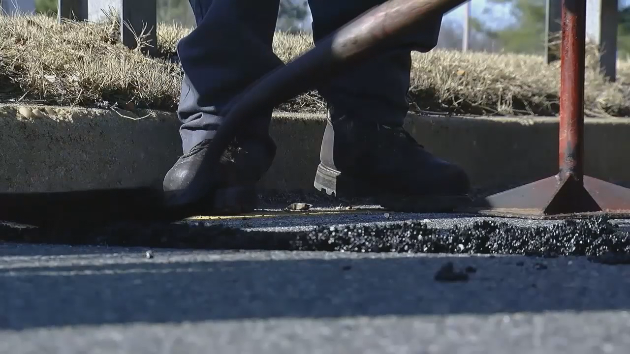 AAA Mid-Atlantic said in just the first 11 days of February, there's already a 25 percent increase in the number of flat tires reported in the DMV, compared to the same time last year. (ABC7)