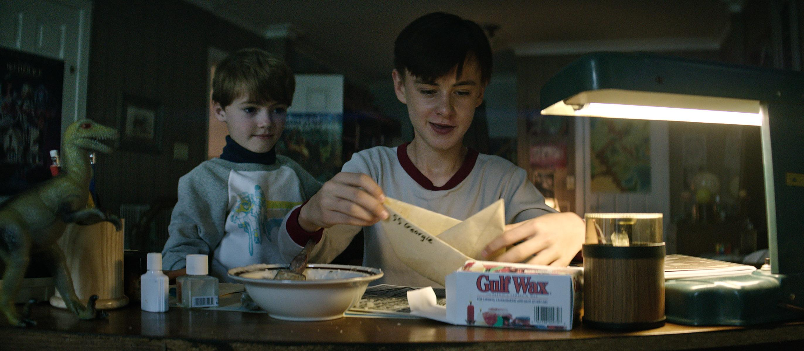 "(L-R) JACKSON ROBERT SCOTT as Georgie Denbrough and JAEDEN LIEBERHER as Bill Denbrough in New Line Cinema's horror thriller ""IT,"" a Warner Bros. Pictures release."