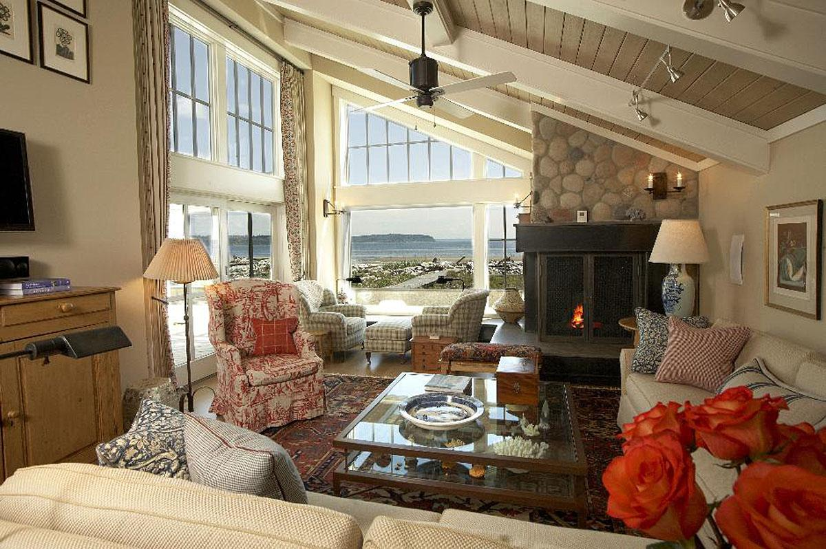 This Whidbey Island Vacation Home was a total interior architectural remodel. The project was completed by Kristine Donovick Interior Design, Inc. and the total project cost was $800K.  (Image: Whidbey Island Vacation Home / Porch.com)
