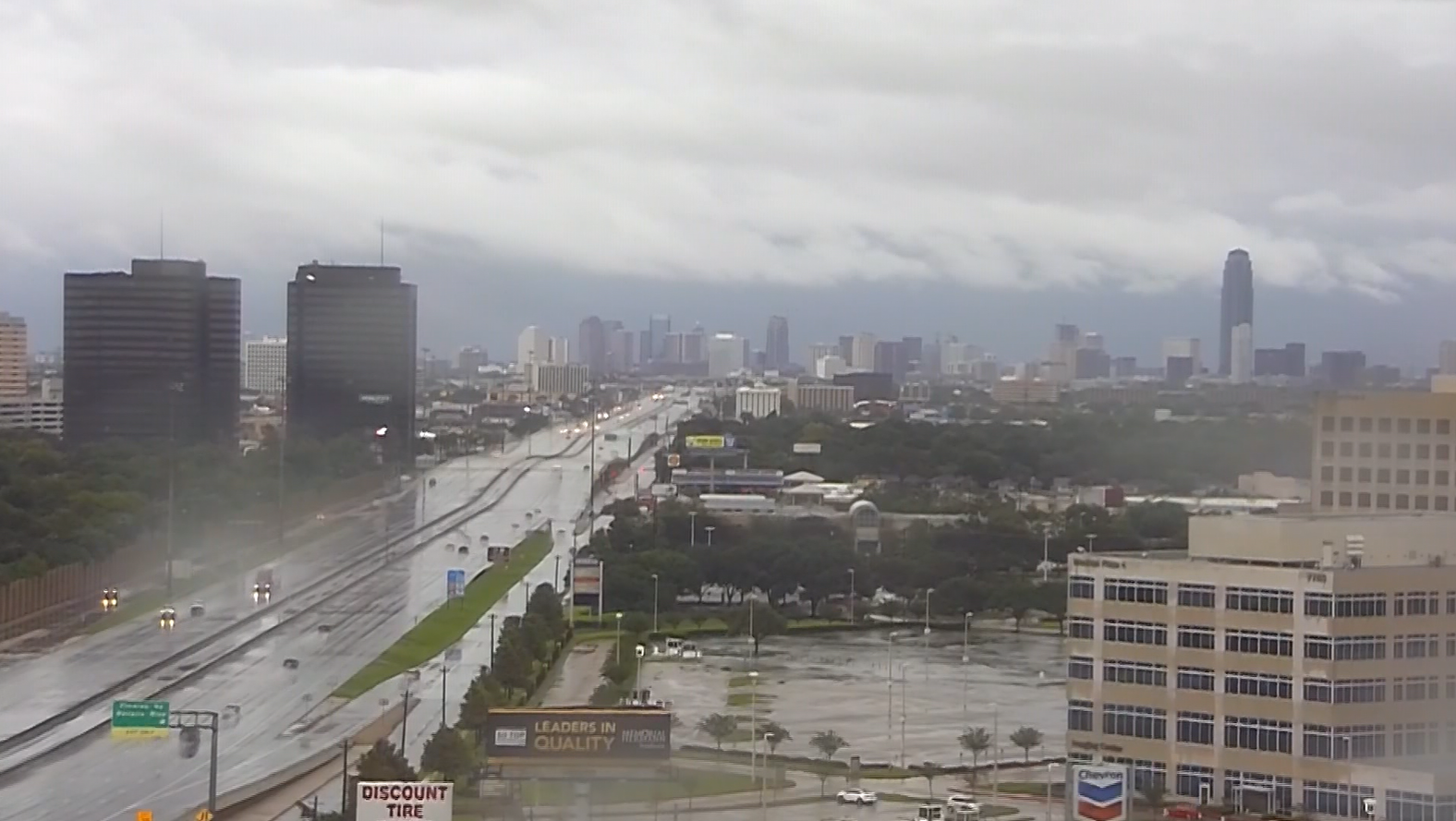 Time-lapse of clouds rolling into Galveston as Harvey moves inland (KPRC/CNN)