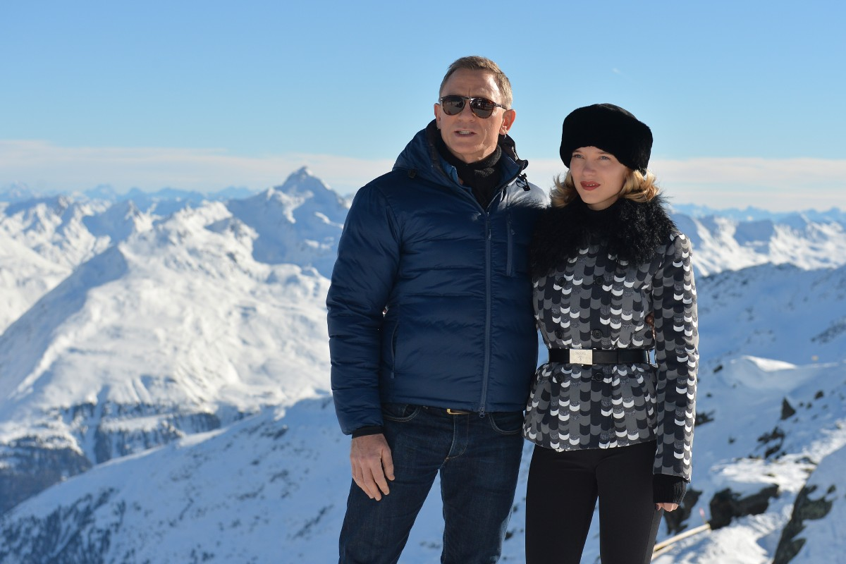 "FILE - In this Wednesday, Jan. 7, 2015 file photo, actors Daniel Craig and Lea Seydoux, right, pose during a photo call in Soelden, Austrian province of Tyrol, where scenes for the new James Bond 007 movie Spectre, will be produced. 007 star Daniel Craig and the film's other luminaries will be at the October world premiere of the new James Bond film ""Spectre"", and Palace officials said Wednesday Sept. 16, 2015, they will be joined on the red carpet by Prince William and his wife Kate and Prince Harry. (AP Photo/Kerstin Joensson, File)"