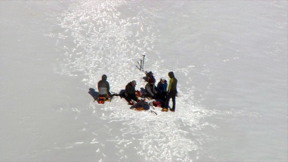 Rescue on Mt Hood February 13, 2018 - KATU Chopper 2