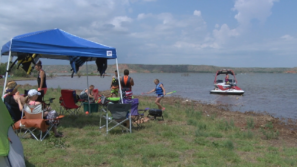 Cold temps severe storms don 39 t stop lake meredith for Lake meredith fishing report