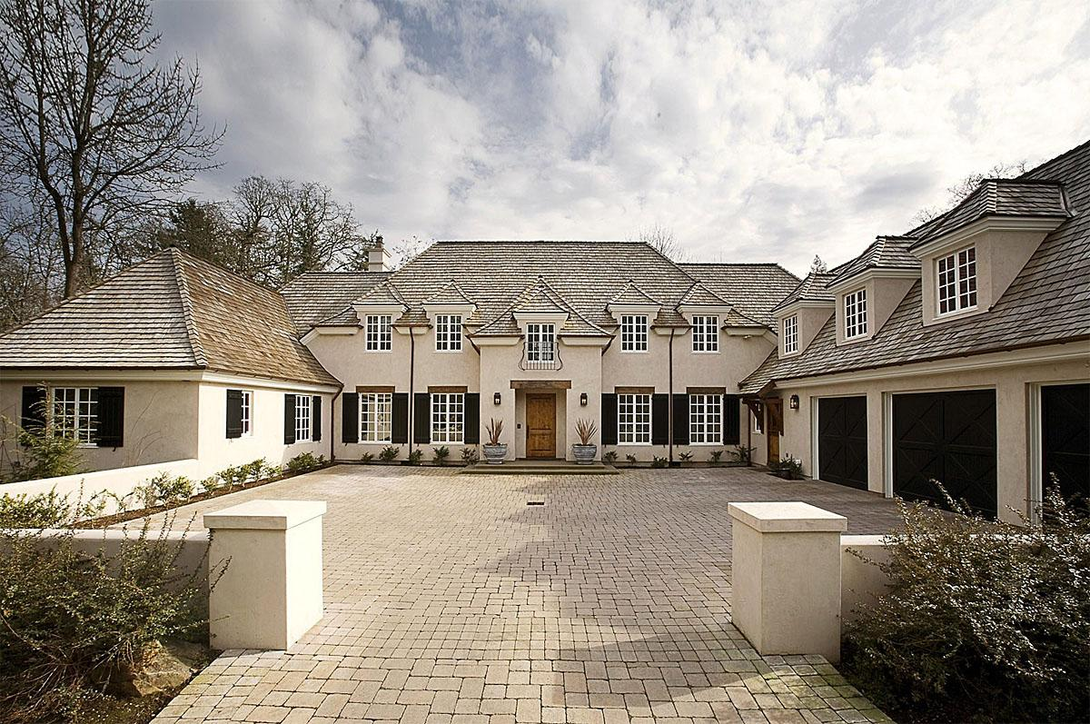This Dunthorpe French Country, Portland, OR project  was completed by Riverland Homes and cost $2.4 million.   (Image: Dunthorpe French Country / Porch.com)