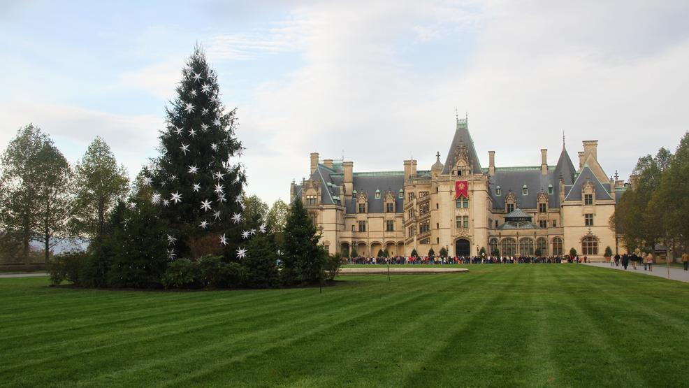 Annual Christmas tree-raising at the Biltmore House!