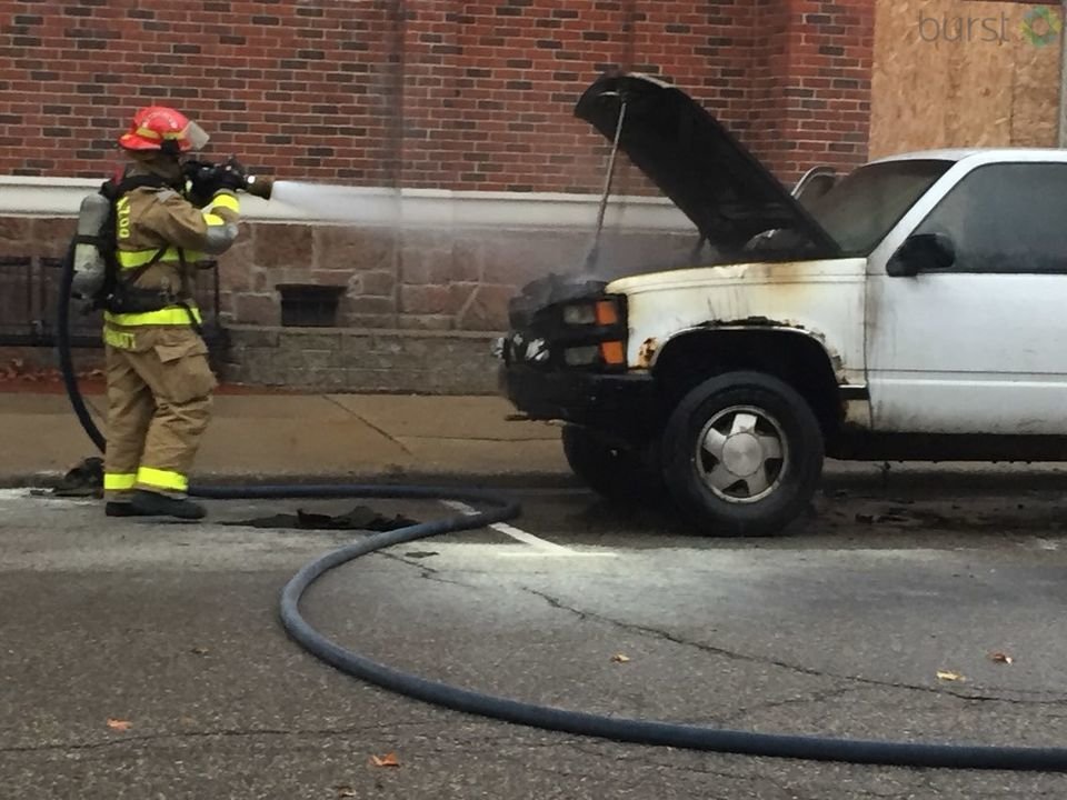A truck fire sent smoke pouring into downtown Kalamazoo Wednesday morning. (WWMT/Jason Puhr)<p></p>