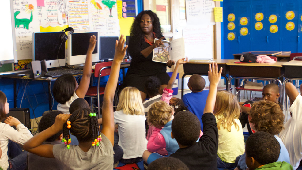 Elementary school teacher and her students, Photo Date May 6, 2014 (US Department of Education  CC BY 2.0 MGN) .png