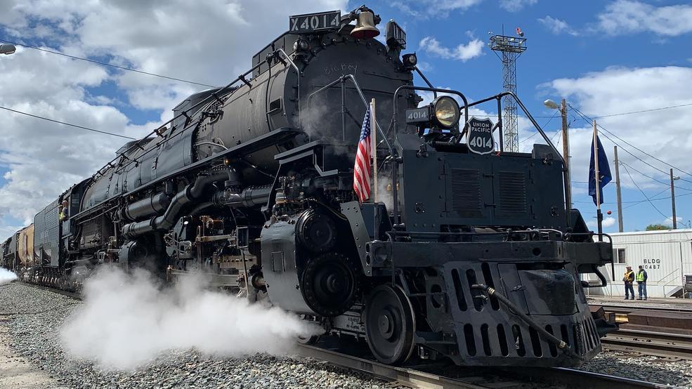 PHOTOS/VIDEOS: 'Big Boy' locomotive rolls into Ogden for