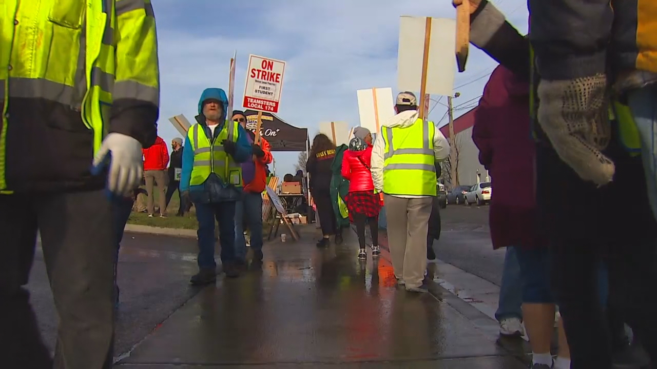 Seattle school buses will be back on roads after one-day strike. (KOMO News)