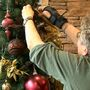 CHI Good Samaritan decorates with Christmas decorations for patients