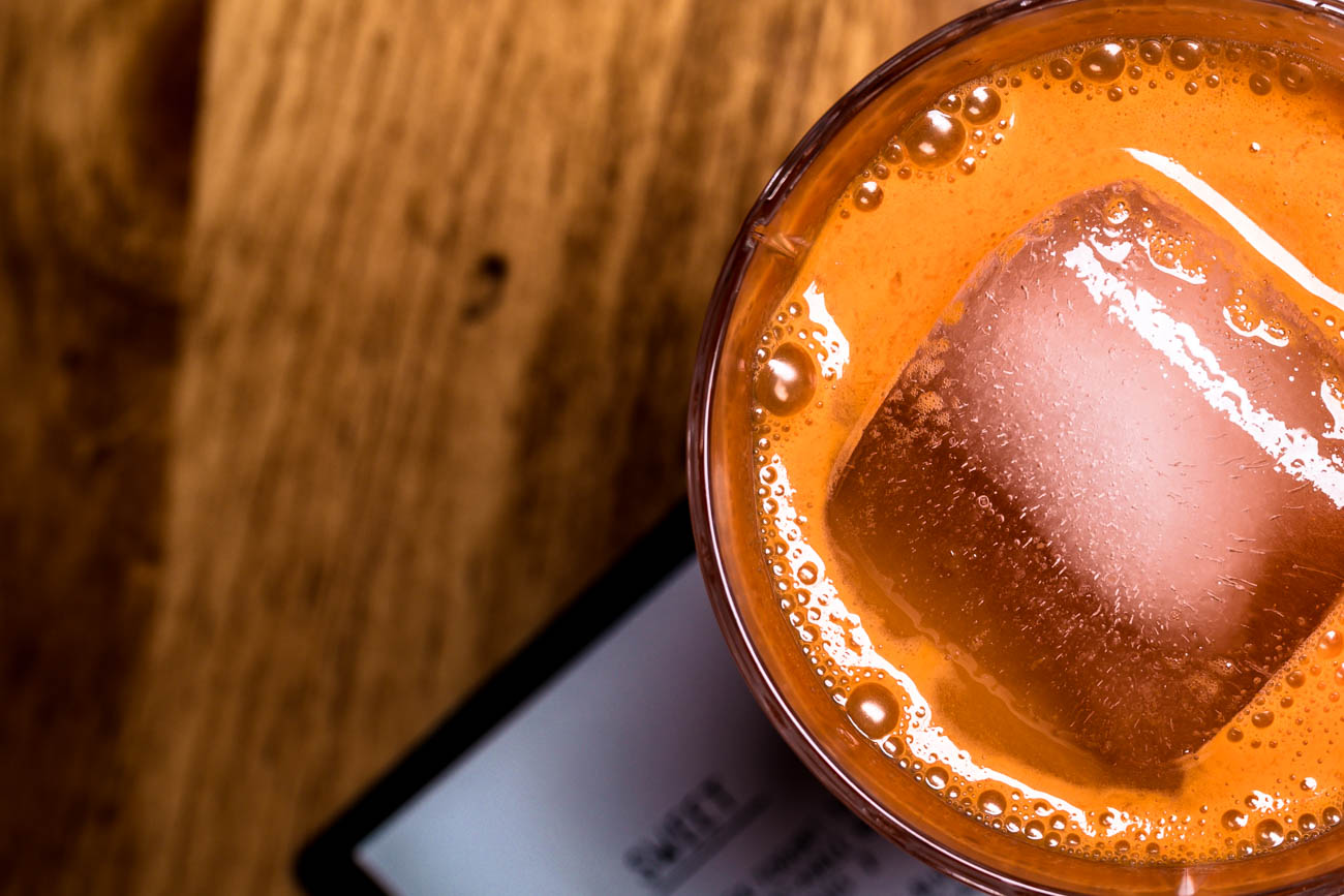 Russia Standard: vodka, carrot, honey, ginger, lemon, Krupnik bitters, and champagne / Image: Amy Elisabeth Spasoff // Published: 2.6.18