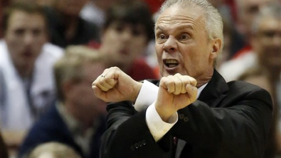 Wisconsin head coach Bo Ryan protests a call to the officials during the first half of a third-round game against the Oregon of the NCAA college basketball tournament Saturday, March 22, 2014, in Milwaukee. (AP Photo/Jeffrey Phelps)