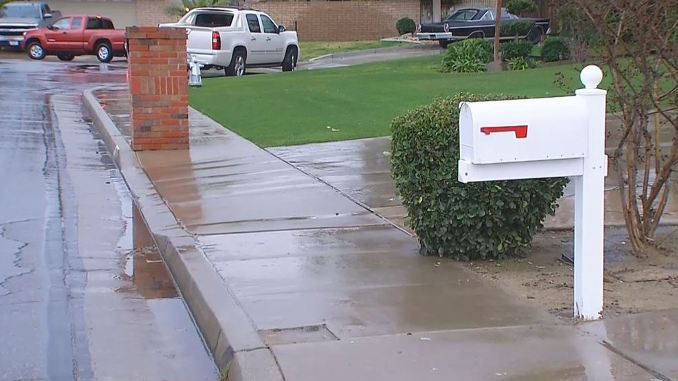 Bakersfield man can't get mail because mailbox deemed too far from
