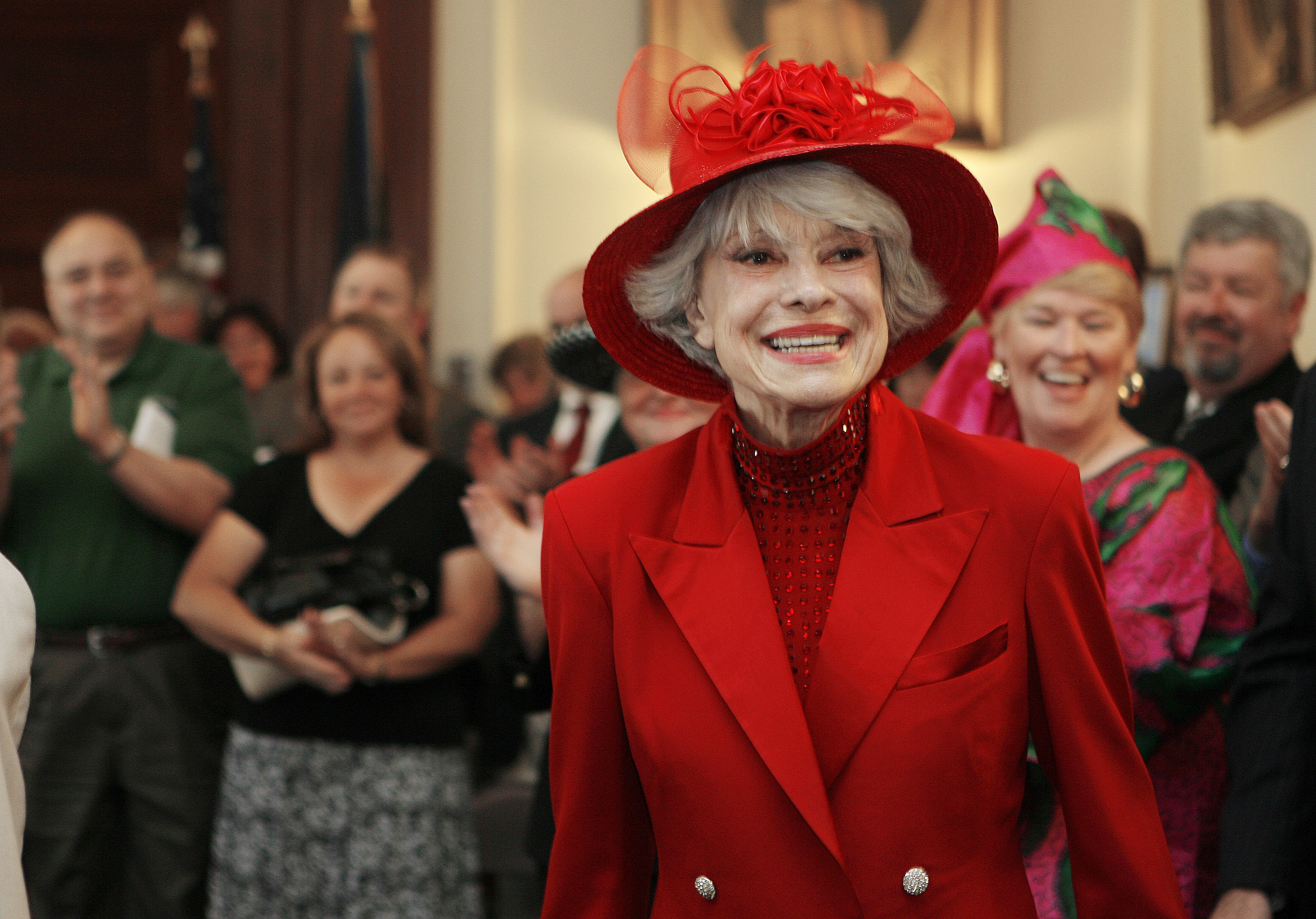 FILE - This June 27, 2007 file photo shows singer and actress Carol Channing in Concord, N.H.  Channing, whose career spanned decades on Broadway and on television has died at age 97. Publicist B. Harlan Boll says Channing died of natural causes early Tuesday, Jan. 15, 2019 in Rancho Mirage, Calif. (AP Photo/Jim Cole, File)