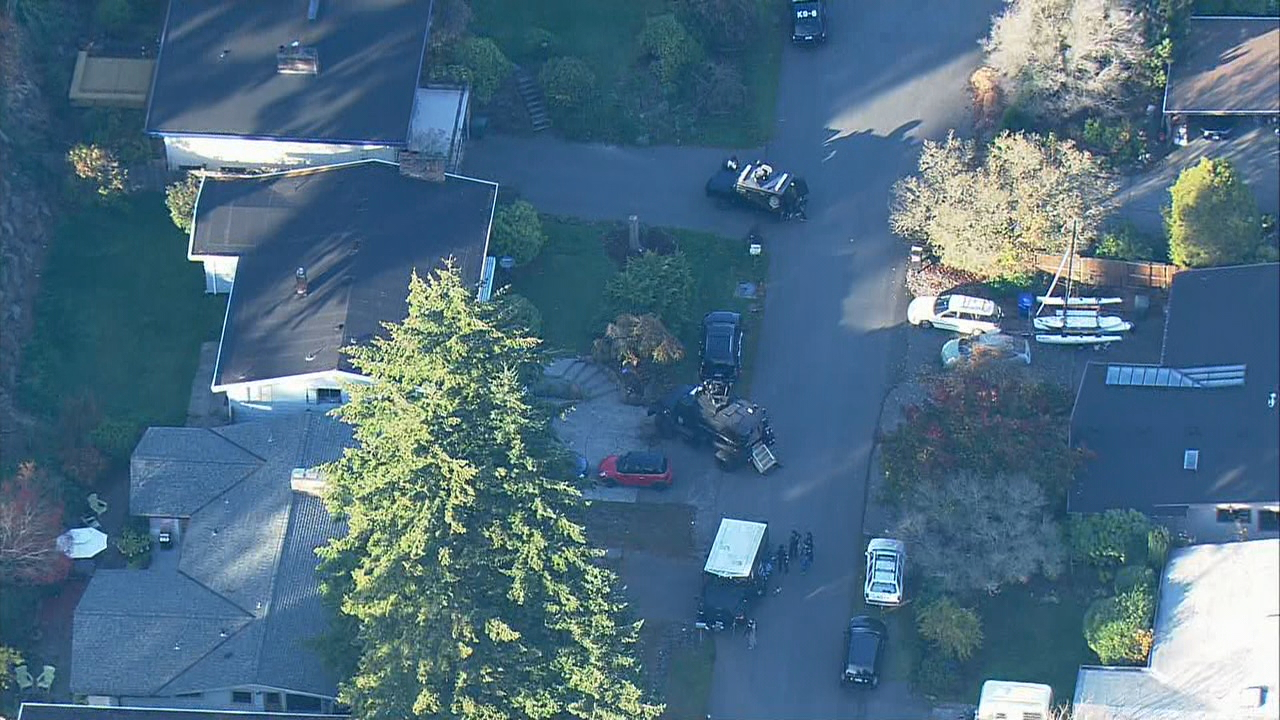 KOMO News/Air 4 photo shows the scene in Lake Forest Park.