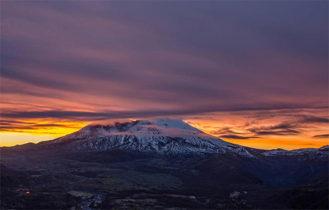 Beautiful sunrise at Mt. St. Helens just before the clouds rolled in and covered up the mountain. (Photo: KR Backwoods Photography)