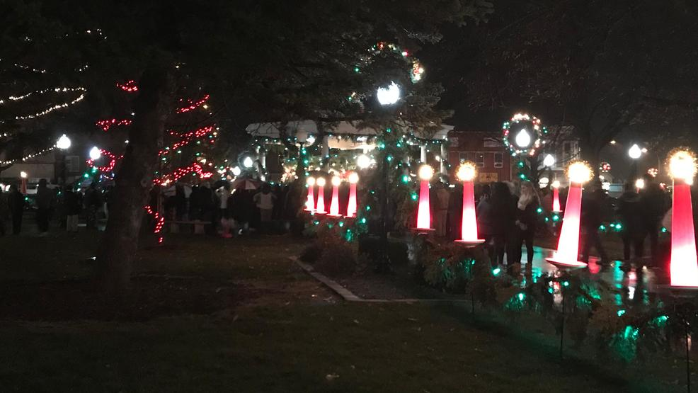 Christmas Lights To Music.Holiday Music And Thousands Of Lights Filled Fairfield S