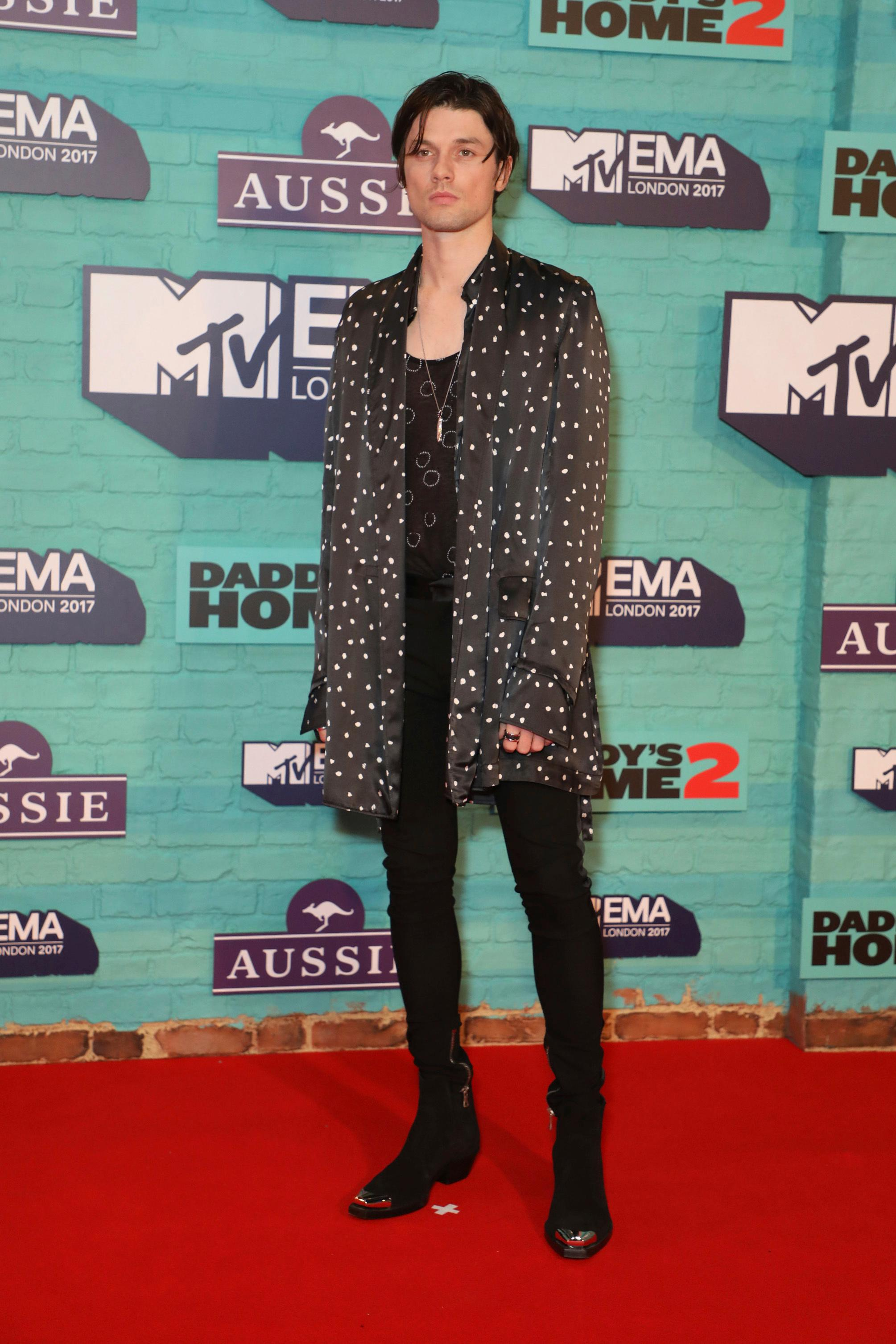 Singer James Bay poses for photographers upon arrival at the MTV European Music Awards 2017 in London, Sunday, Nov. 12th, 2017. (Photo by Vianney Le Caer/Invision/AP)