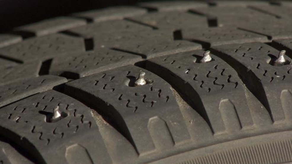 opposition to studded tires gaining traction in state komo. Black Bedroom Furniture Sets. Home Design Ideas