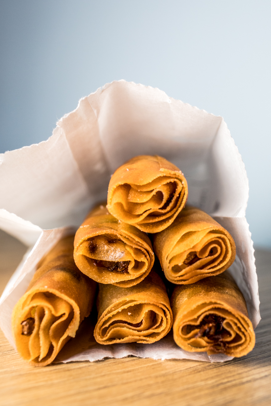 Crispy Rolls: cabbage, carrots, and sweet chili / Image: Catherine Viox{ }// Published: 6.4.20