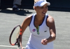 Vesnina defeats Errani to return to finals in Charleston (141).JPG