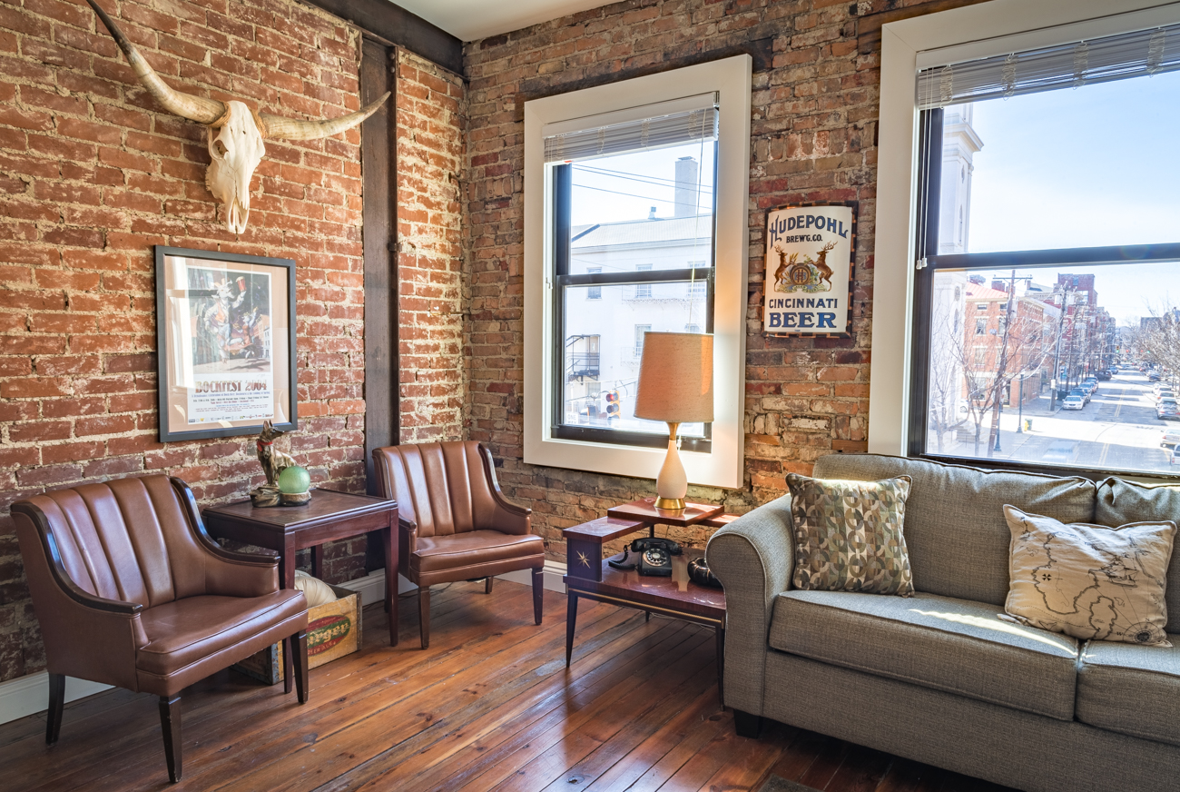 A Couple Turned An 1850s Otr Building Into A Gorgeous Home