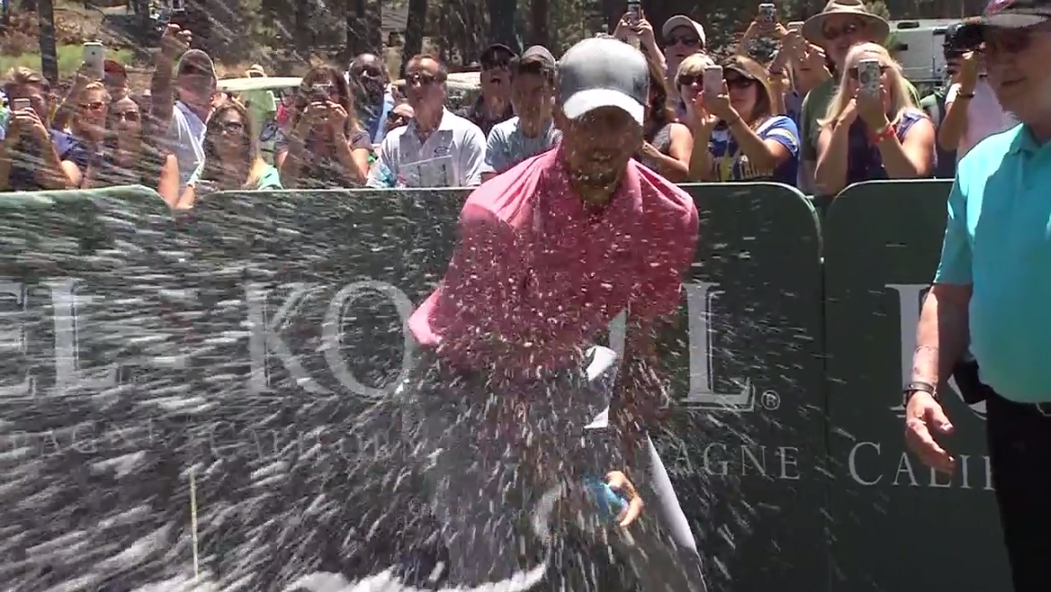 NBA champ Stephen Curry takes part in the Celebrity Spray Off at the American Century Championship (SBG)