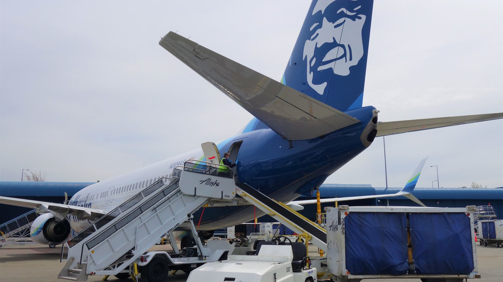 Alaska Airlines plane forced to land in Seattle after passenger threatens to kill everyone