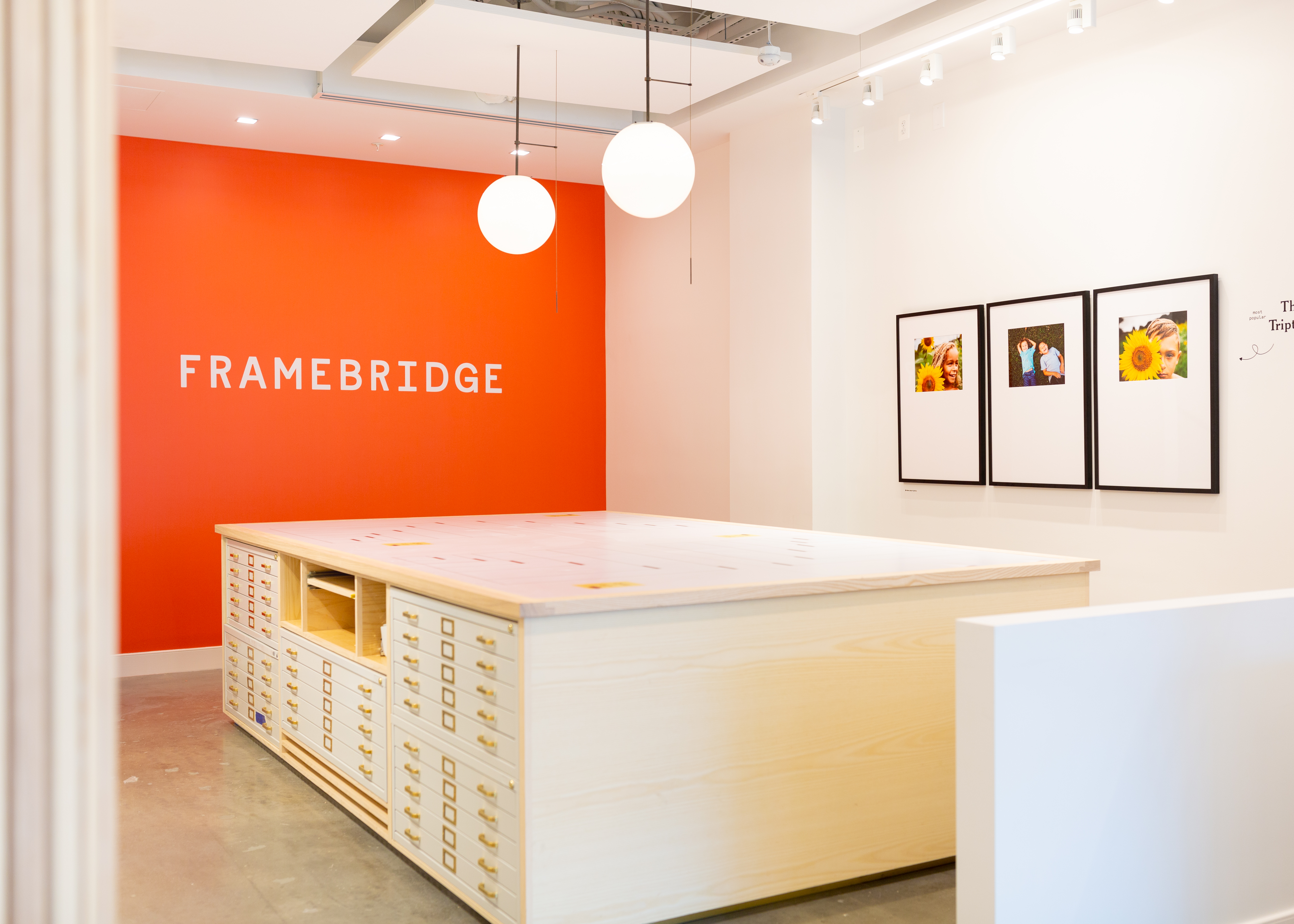 Framebridge, founded in 2014, has opened a 1,400-square-foot store on 14th Street. (Image: Courtesy Framebridge)