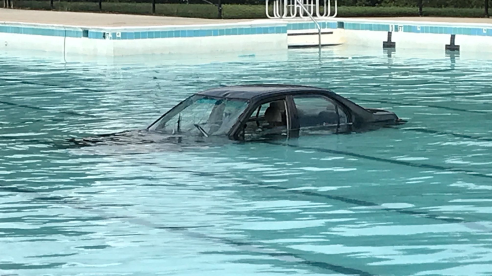Car plunges into community pool in Montgomery Village | WJLA