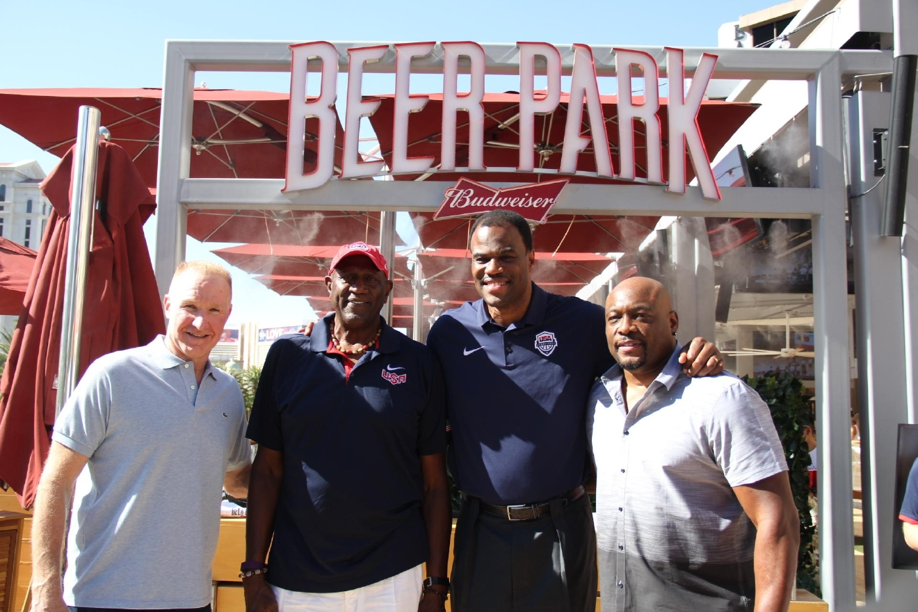 GALLERY Kim K Bare La s and NBA legends in Las Vegas