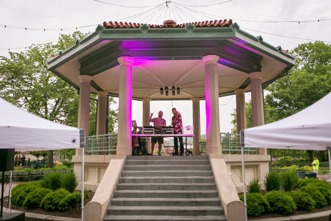 The Bacchanalian Society of Cincinnati held its Spring Gathering on Thursday, May 17 at Washington Park. Proceeds benefitted Cincinnati Works. DJ 4Grand was the entertainment for the night. / Image: Mike Bresnen Photography // Published: 5.18.18