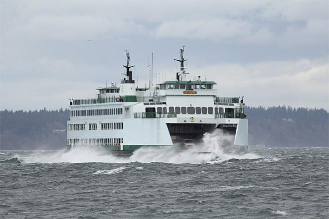Mukilteo Ferry battles the big waves! (Photo Courtesy YouNews contributor: ndumas6190)