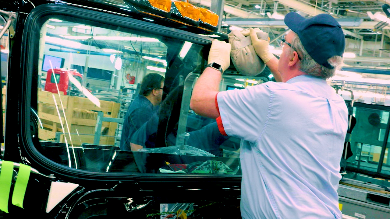 Installing the Windshield.{&amp;nbsp;}(Image: Seattle Refined) <p></p>
