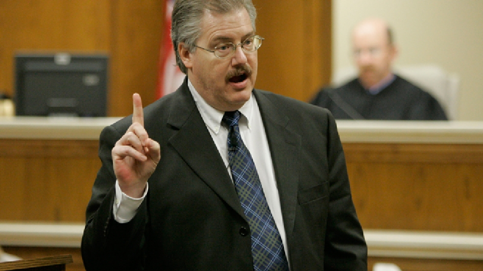 Calumet County District Attorney Ken Kratz gives his rebuttal argument in the trial of Steven Avery, Thursday, March 15, 2007 at the Calumet County Courthouse in Chilton. (AP Photo/Morry Gash, Pool)