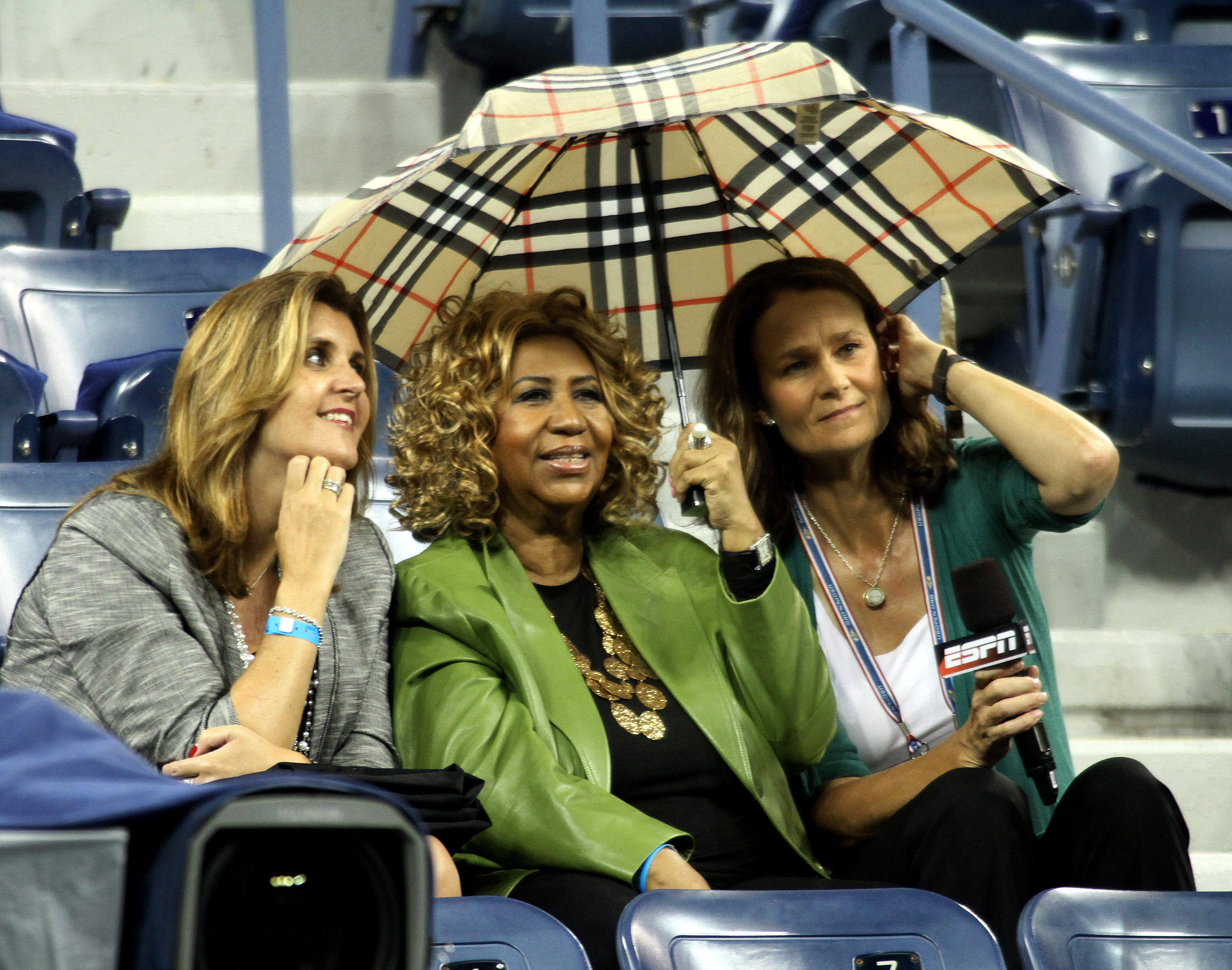 Aretha Franklin at a match between Jo-Wilfred Tsonga and Roger Federer on day eleven of the US Open held at the USTA Billie Jean King National Tennis Center in Flushing, Queens. The match was suspended due to the rain. (Where: New York, New York. When: Sep. 8 2011. Credit: WENN)