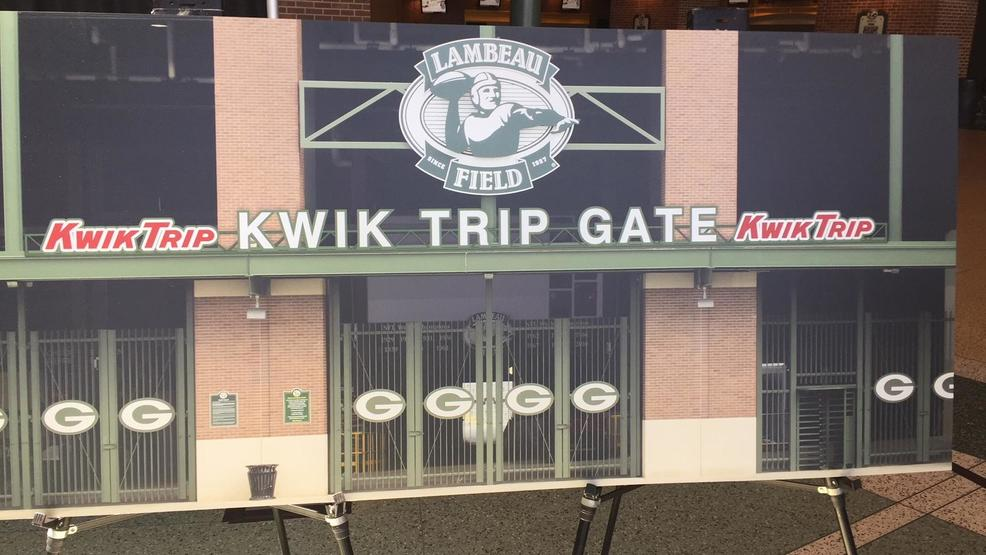 Kwik Trip offering free hot chocolate and hot cider at Sunday's Packers vs. Bears game