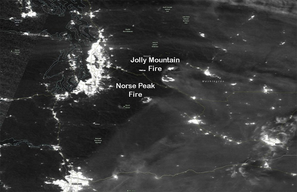 Suomi NPP satellite image taken on Sept. 4, 2017 picks up the light from the wildifre flames burning at the time in the Cascades. (NOAA Image)<p></p>