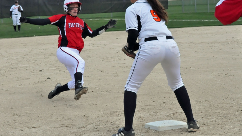 Hortonville defeated West De Pere, 2-0, Thursday in Bay Coiference softball. (Doug Ritchay/WLUK)